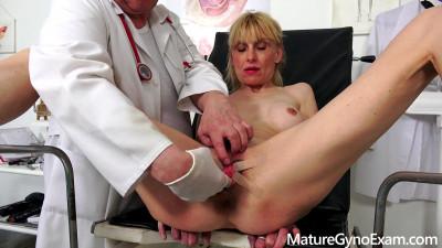 Valeria Blond