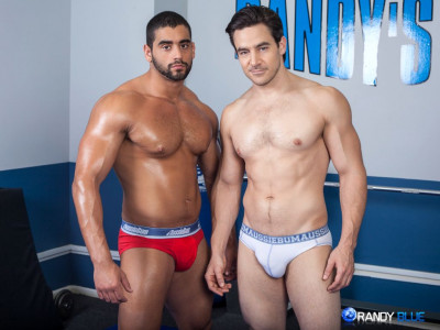 Description Straight Gym Hunks Chris Rockway and Angelo Antonio have a Hot Wrestle Fuck