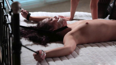 """Kristina Rose, Elise Graves & Cyd Black In """"Spread And Exposed"""""""