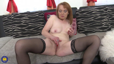 Description Lonely housewife gets in a horny mood and lets herself go