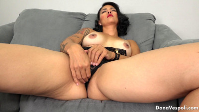 Description Dana Vespoli Curls and Red Heels