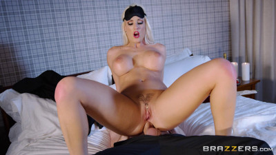 Description Blanche Bradburry - 7 Year Anal