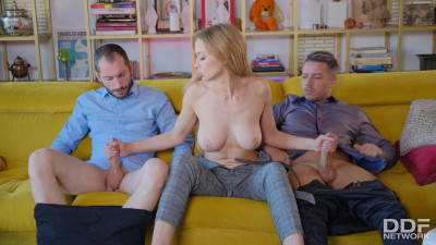 Loren Strawberry - Nympho Is Made To Be In The Middle FullHD 1080p
