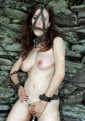 BDSM idol in action
