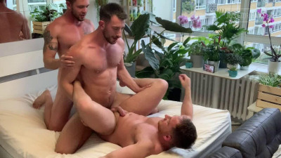 Jonas Jackson, John Thomas, Max