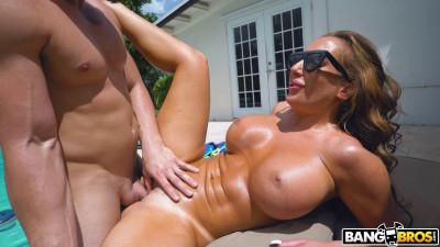 Richelle Ryan - Poolside Fucking (2021)