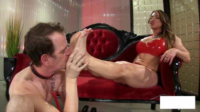 Brandi Mae - Muscle Goddess Foot Worship