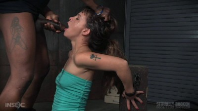 SexuallyBroken Deepthroat queen Devilynne does a live BaRS show bound to a sybian