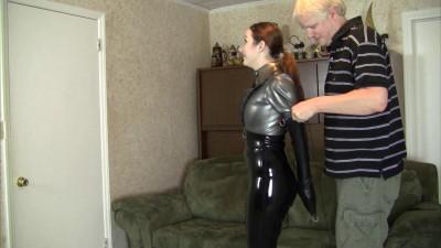 Crystal Clark – Latex Bondage With Mr Big Boss HD