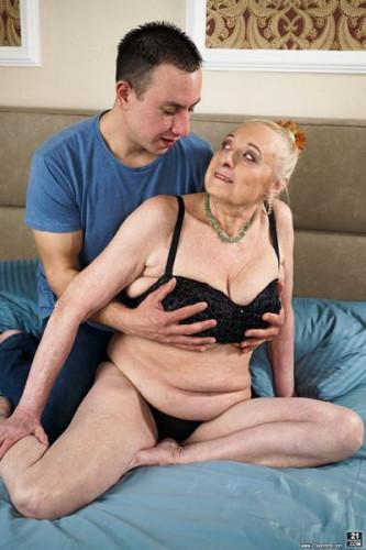 Sila, Rob Look At Those Tits!