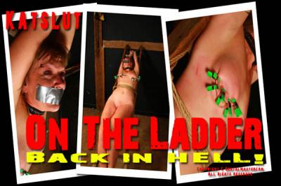 Katslut On The Ladder-001