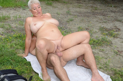Mature porn - one hot day with a granny at the river...