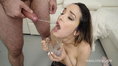 Robin Wet and Mad, Francys Belle Drinks