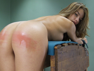 Single Tail Ass Whipping - Nici Dee