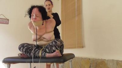 Rija Mae tortures Minuit – HD 720p