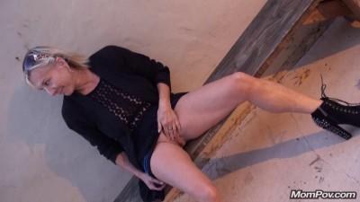 Paulina – Czech MILF back for flashing bonus video