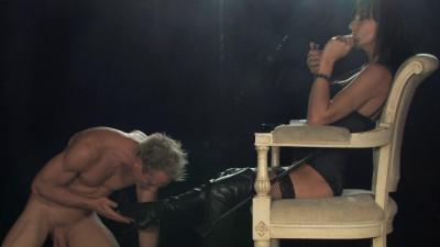 Description Franki Dominating Her Slave