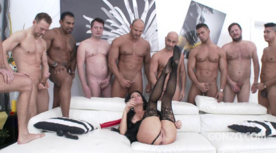 Hard Anal Gangbang For Veronica Avluv With Many Men