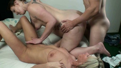 Mom Has Hot Threesome With Her Very Pregnant girl And boy