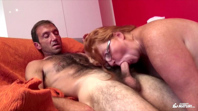 Mature Italian BBW sucks and fucks in a hot swinger threesome