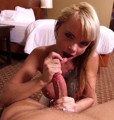 Maisie Blonde MILF Tattoo Nympho Freak FullHD 1080p