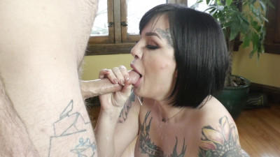 Lola Luscious – Good Cucks Suck Cock: Lola Shows How