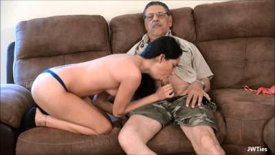 Rachel Loves Her Grandpa (Rachel Rose)