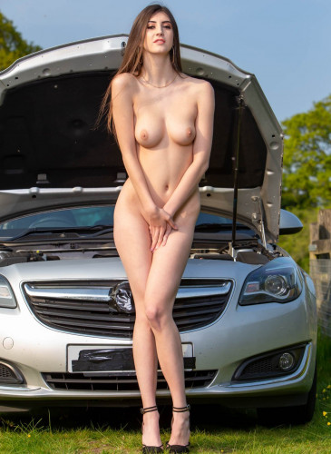 Description Lina Luxa Enjoys Anal in the Great Outdoors FullHD 1080p