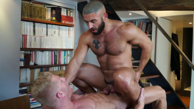 Description Francois Sagat, Johnny V