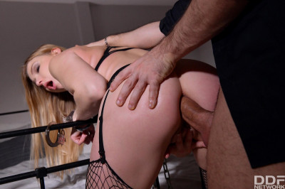 Lucy Heart – Submissive's Anal Gift HD