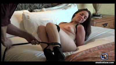 Description Adriana Bound - Full HD 1080p