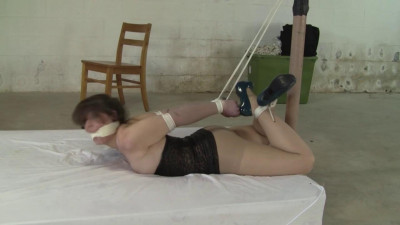 Description Elizabeth Andrews - Stored In The Basement