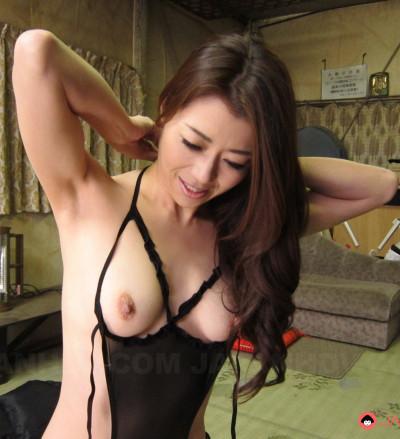Horny farmer girl Maki Hojo fucked by a stranger FullHD 1080p