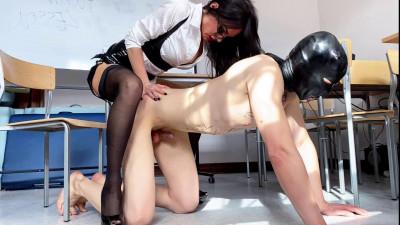 Evil Woman - Strapon Lesson With Evil Teacher