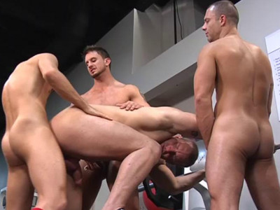 Uneven orgy through rugby players