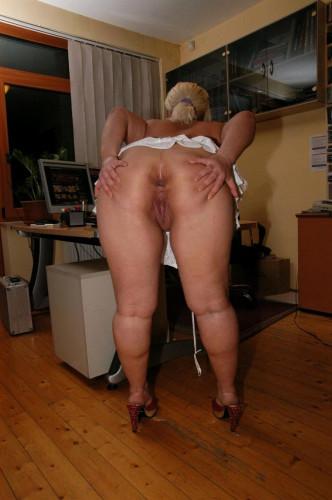 Fat assed Judit fast casting - Tutti Frutti