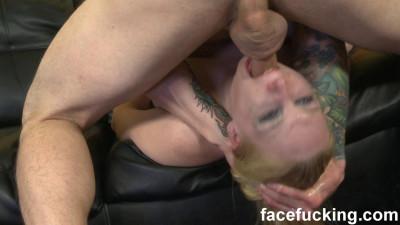 Delirious Hunter Shows Off Her Huge Cunt