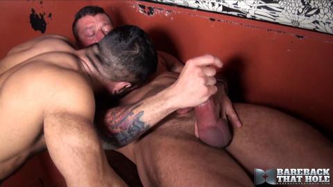 Bareback That Hole - Hugh Hunter and Vinnie Stefano