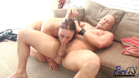 Amateur Shemale Loves Big Dick In Ass