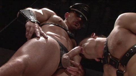 Brutal Orgy With Muscle Men