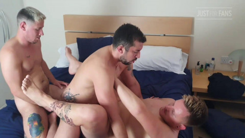 Nasty Welsh Pair - Hawt vol. THREE way with a Brazilian