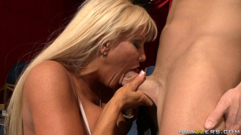 Hot Busty Milf Is Pleased To Find Out That He Will Be Performing