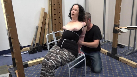 Hard public zip-tie Session for Minuit - HD 720p