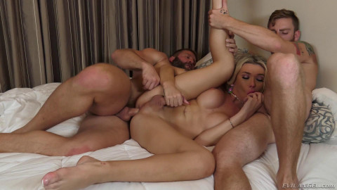 Double Anal Reaming For Gorgeous TS Aubrey Kate
