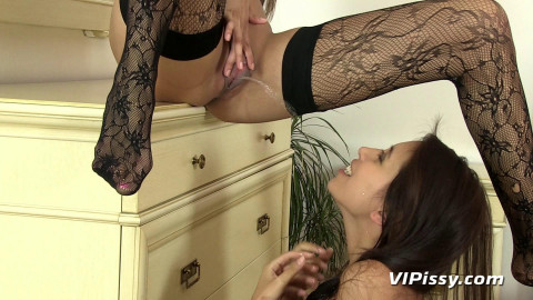 Kitty Jane, Paula Shy (Busy Bathroom