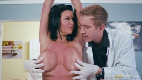 Veronica Avluv - Mom Visits Doc (2017)