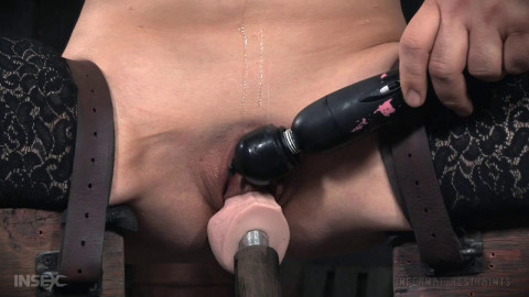 Endza Adair high Cantilever Love - BDSM, Humiliation, Torture