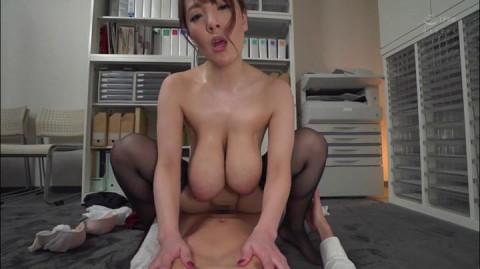 Colossal Tits Follow - Hitomi Tanaka