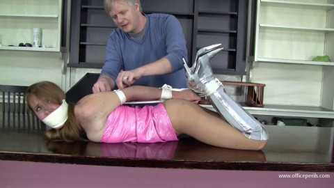 Madalynn Raye - that babe needed the cash so that babe clothed the part