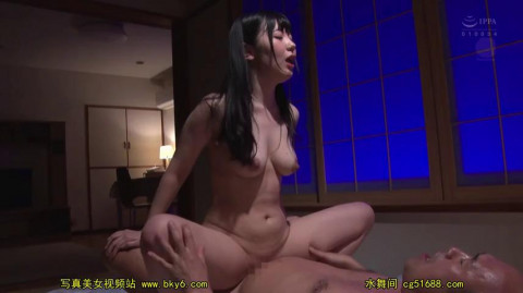 A Married Woman Caregiver Moans And Groans In Silent Cunnilingus